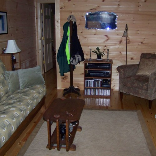 Creekside Cottage  living area
